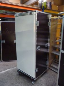 flight case sur mesure pour frigo conex-motorsport